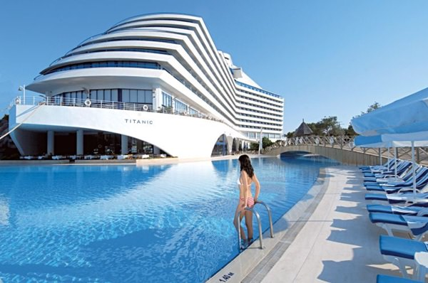 Titanic Beach & Resort Hotel – Turcia