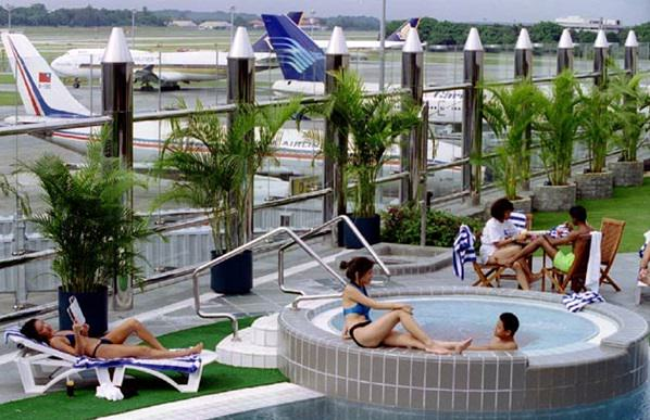 singapore-airport-630