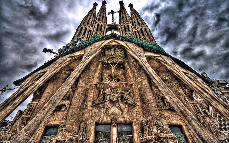 Top 5 obiective turistice pentru care trebuie sa vizitezi Barcelona
