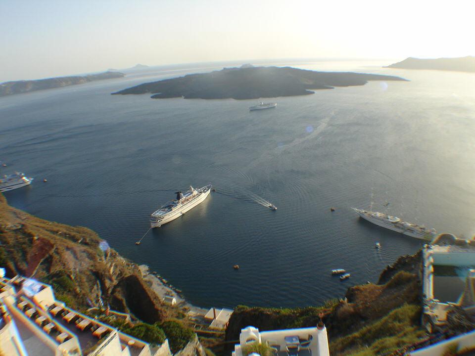 Caldera_(Santorini)