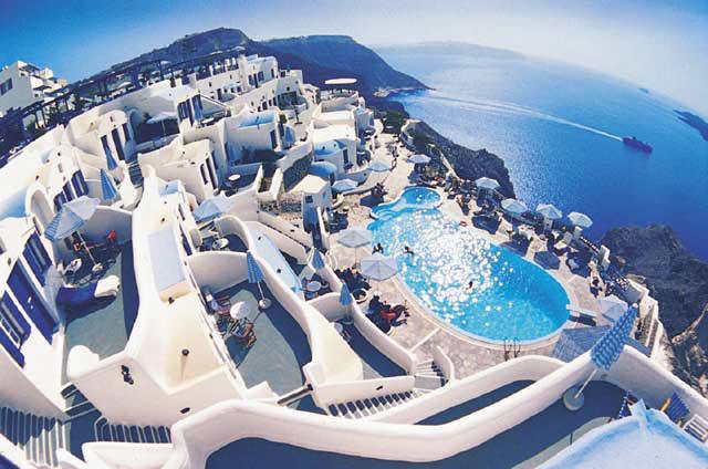 Santorini – o insula cu istorie si traditii