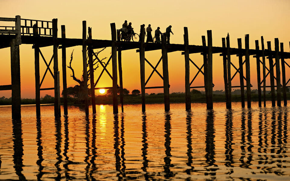 U-Bein-Bridge-Mandalay-Myanmar