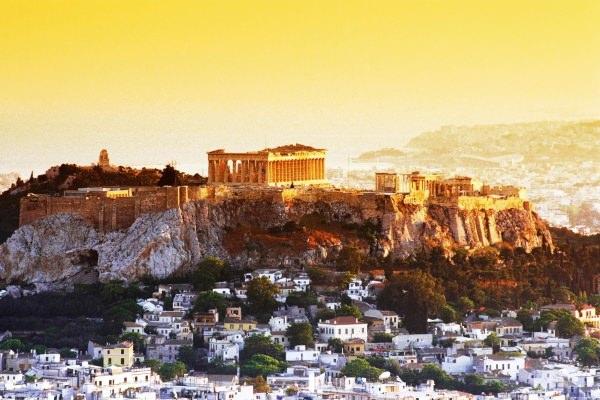 Atena – capitala care abunda de istorie si mister antic !