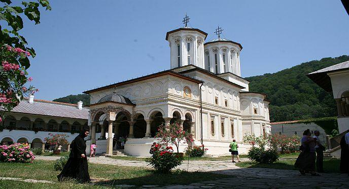 manastirea-horezu-valcea-turism-romania