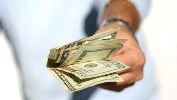 bani-buzunar-anul-nou