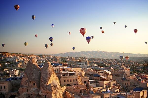 Destinatii din lume pentru a zbura cu balonul cu aer cald !