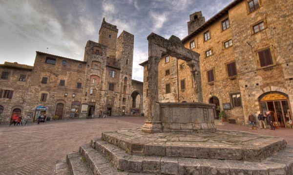 San Gimignano si hai sa redescoperim Italia