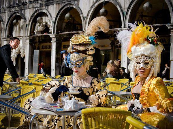 Carnavalul de la Venetia vine cu pasi repezi!
