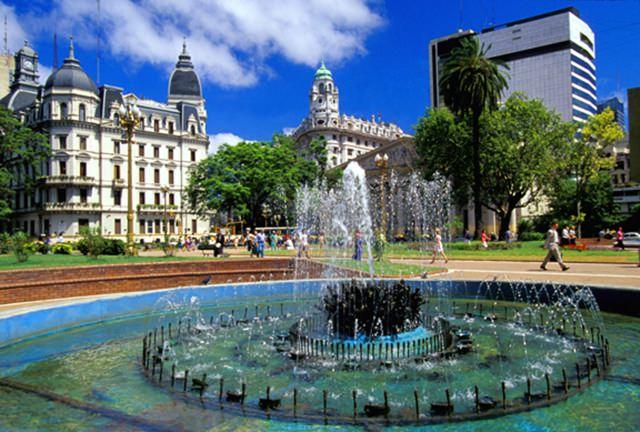 Plaza-de-Mayo_Plaza-buenos-aires