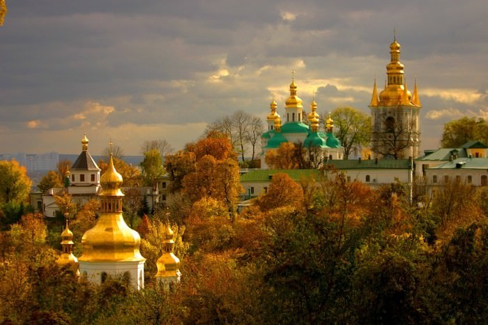Kiev-Pechersk-Lavra_Picturesque-location_5343