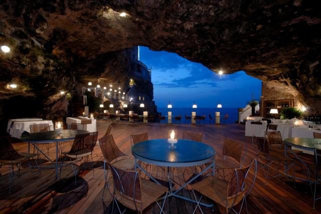 79 - 47 Hotel Ristorante Grotta Palazzese Italy
