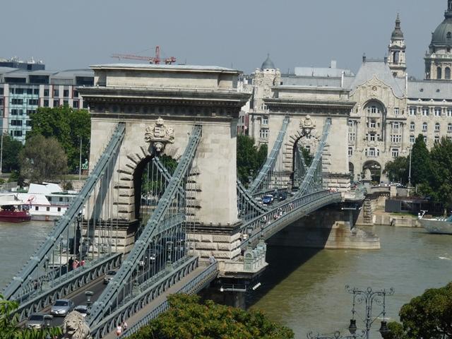 podul-cu-lanturi-budapesta (5)