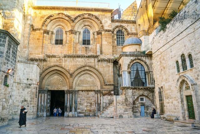 jerusalem-church-holy-sepulchre-900x900