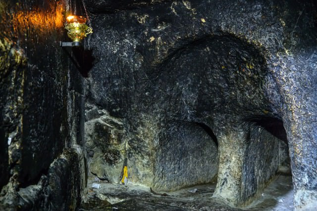 jerusalem-holy-sepulchre-tomb-900x900