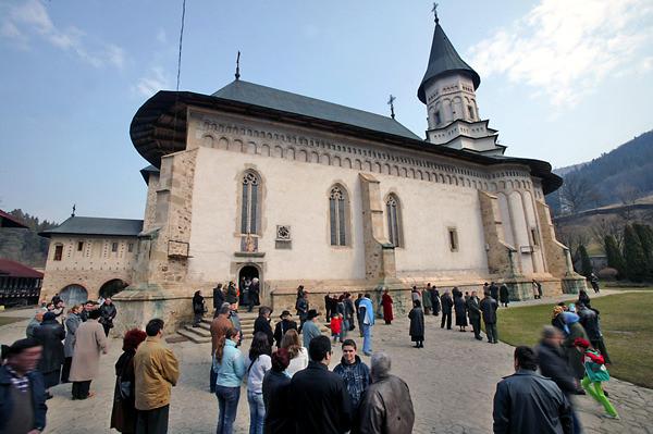 manastirea-bistrita10