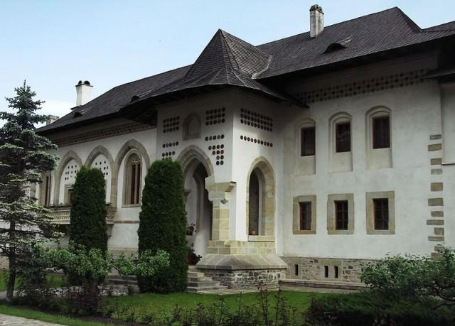 manastirea putna 10