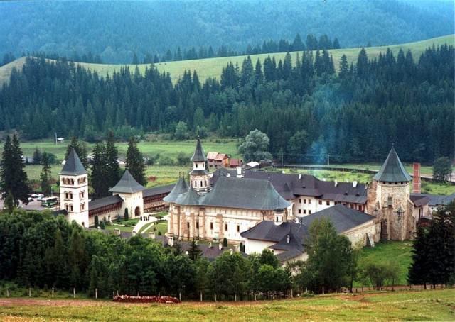 manastirea putna  2