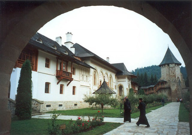 manastirea putna 6