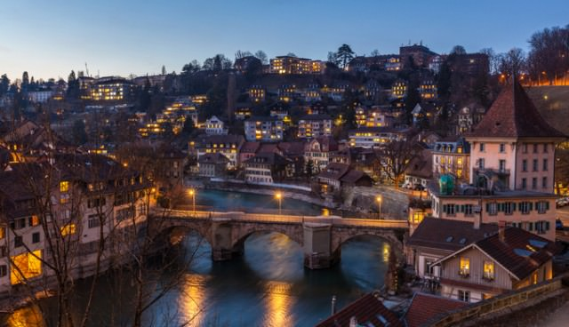 night_view_of_bern_and_aare_river