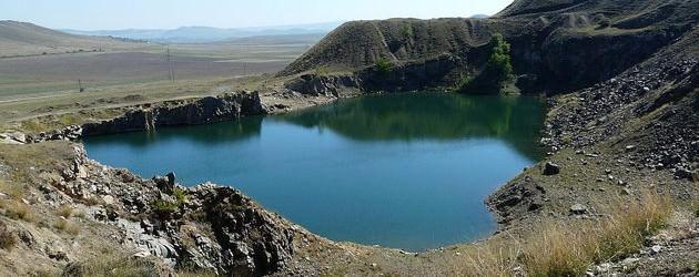 Lacul Iacobdeal, un loc necunoscut de turişti