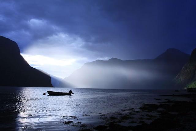 Visit-Flam-Aurland-Aurlandsfjord-4-Bryllup-Fotograf-Paul-Edmundson-www.pauledmundson.com___880