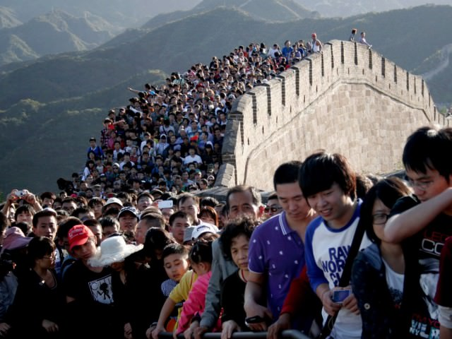 great-wall-lots-of-people