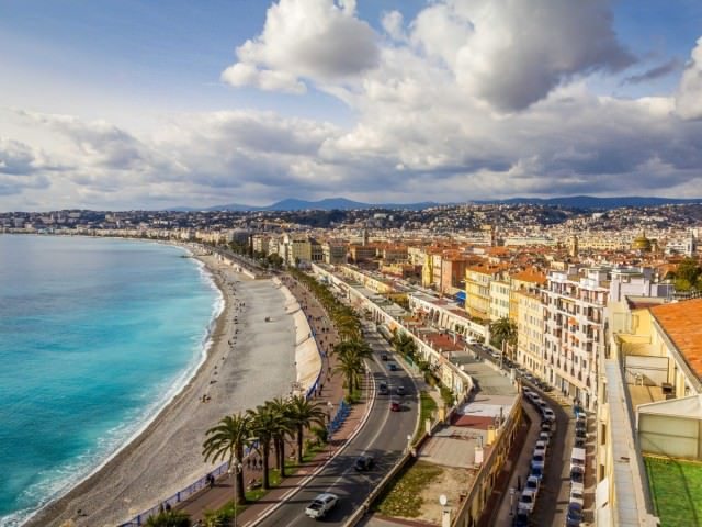 admire-the-sea-views-in-nice-from-the-promenade-des-anglais