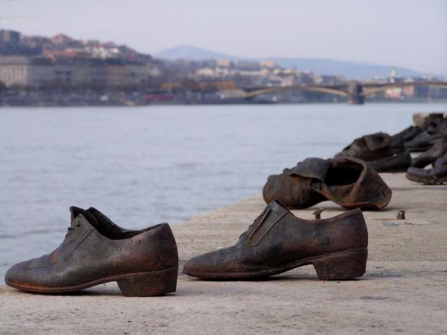 papuci de fier