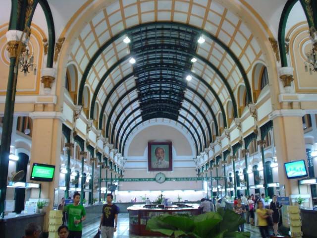 Interior_Oficina_Central_Correos_Ciudad_Ho_Chi_Minh