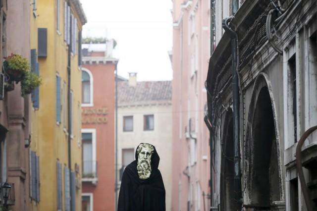 imagini cu festivalul de la venetia 10