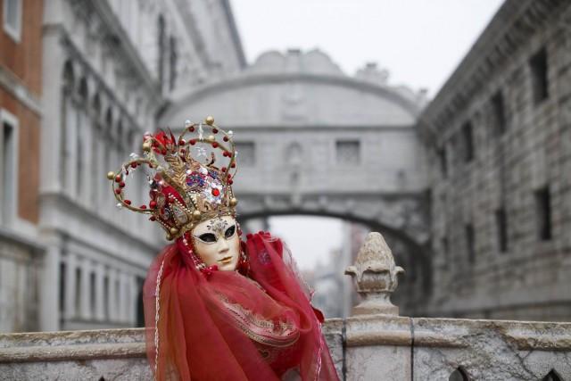 imagini cu festivalul de la venetia 11