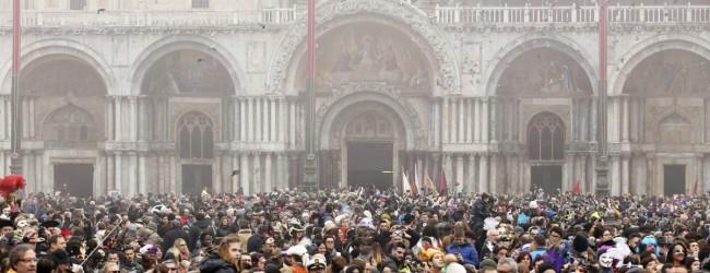Imagini cu Carnavalul de la Venetia – 2016