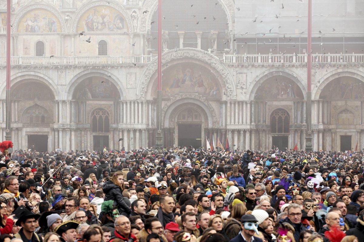 imagini cu festivalul de la venetia 14