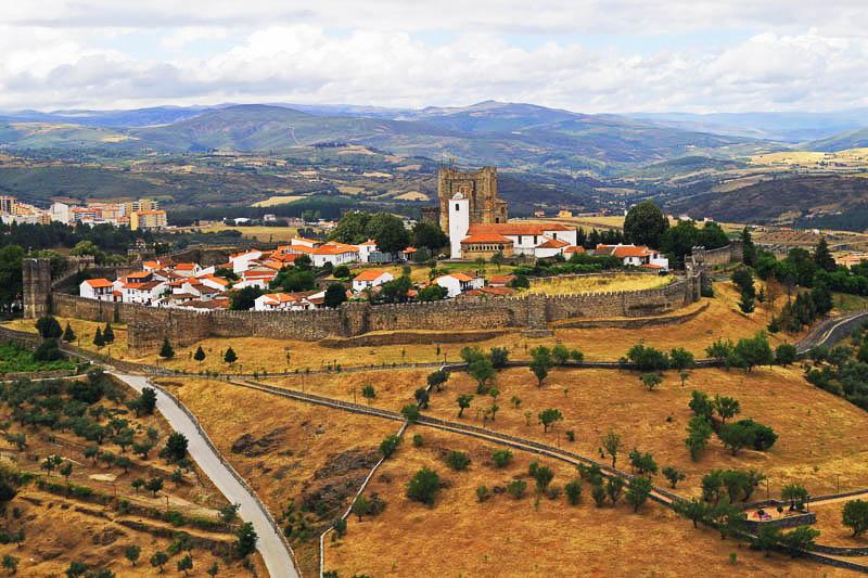 Vizitaţi oraşul portughez Bragança !