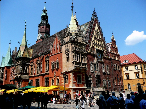 town_hall_in_wroclaw