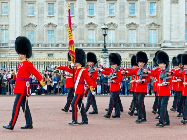 schimbarea garzii regale
