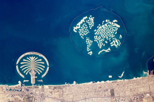 artificial_archipelagos_dubai_united_arab_emirates_iss022-e-024940_lrg