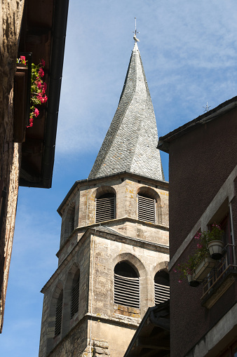 Saint Come d'Olt, church with twisted spire
