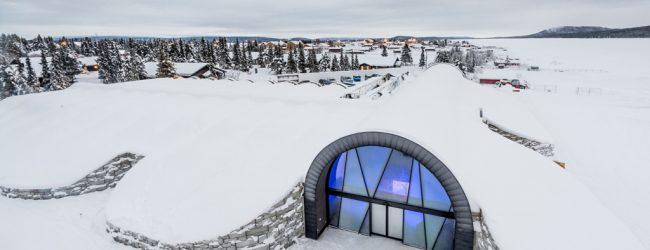 Hotel de gheaţă permanent, inaugurat în Suedia