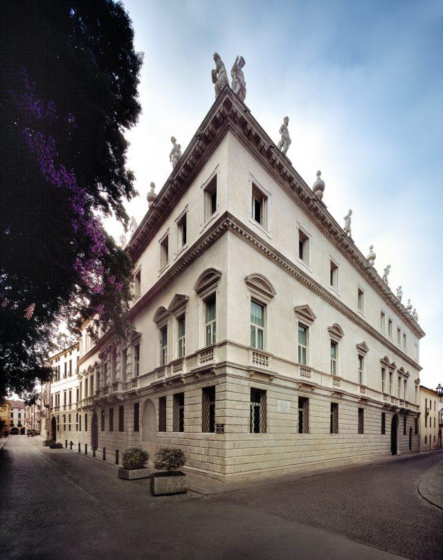 palazzo-leoni-montanari