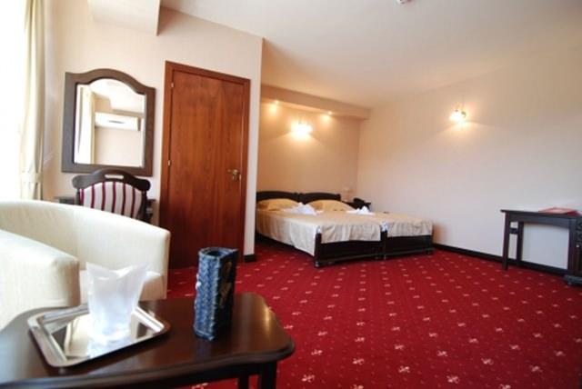 Grand Hotel Perla Ciucasului (1)