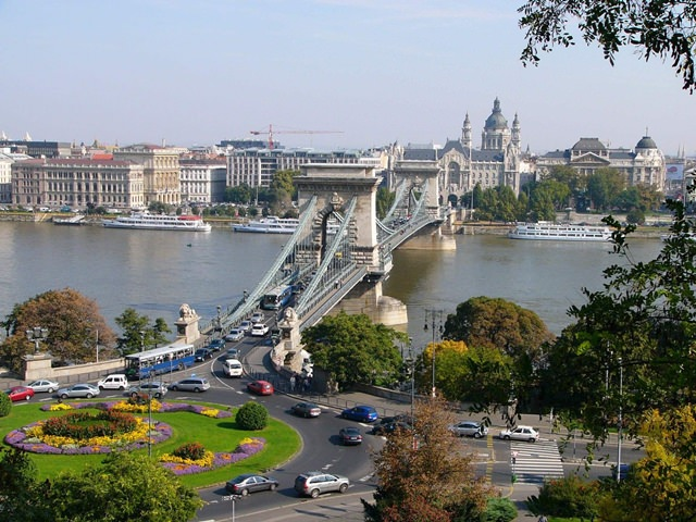 podul-cu-lanturi-budapesta (3)
