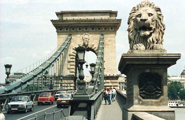 podul-cu-lanturi-budapesta (6)