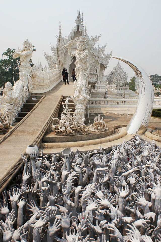 white-temple-thailand-7