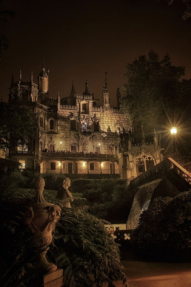 Palace-of-Mystery-Quinta-da-Regaleira-by-Taylor-Moore13__880