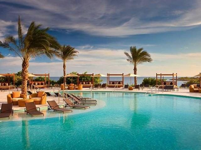 18-santa-barbara-beach-and-golf-resort-curacao