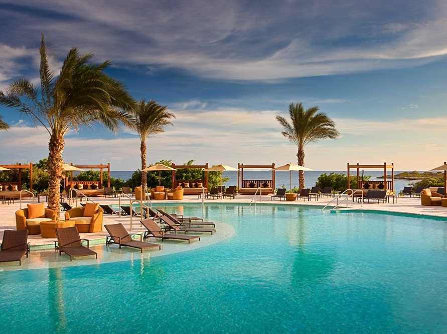 18-santa-barbara-beach-and-golf-resort-curacao