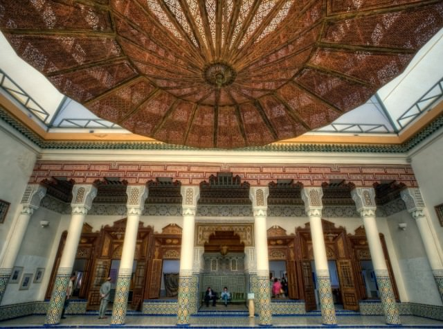 traditional-moroccan-architecture-is-gorgeous-and-ornate