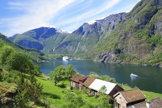 Visit-Flam-Aurland-Aurlandsfjord-7-Bryllup-Fotograf-Paul-Edmundson-www.pauledmundson.com___880