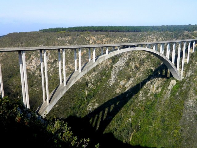 at-bloukrans-bridge-located-near-western-cape-south-africa-visitors-are-harnessed-in-before-taking-a-jump-more-than-656-feet-down-to-the-ground